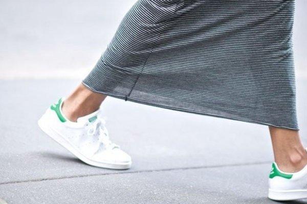 [10 maneiras de usar tênis esportivo no dia a dia]