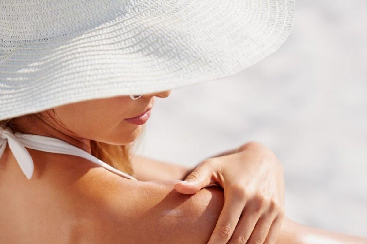 [A duas semanas do início do verão, saiba como proteger a pele dos efeitos nocivos do sol e da poluição]