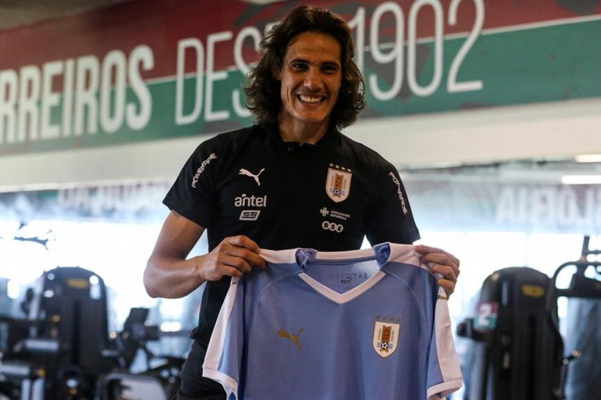 [Uruguai sorteia camisa pelas redes sociais]
