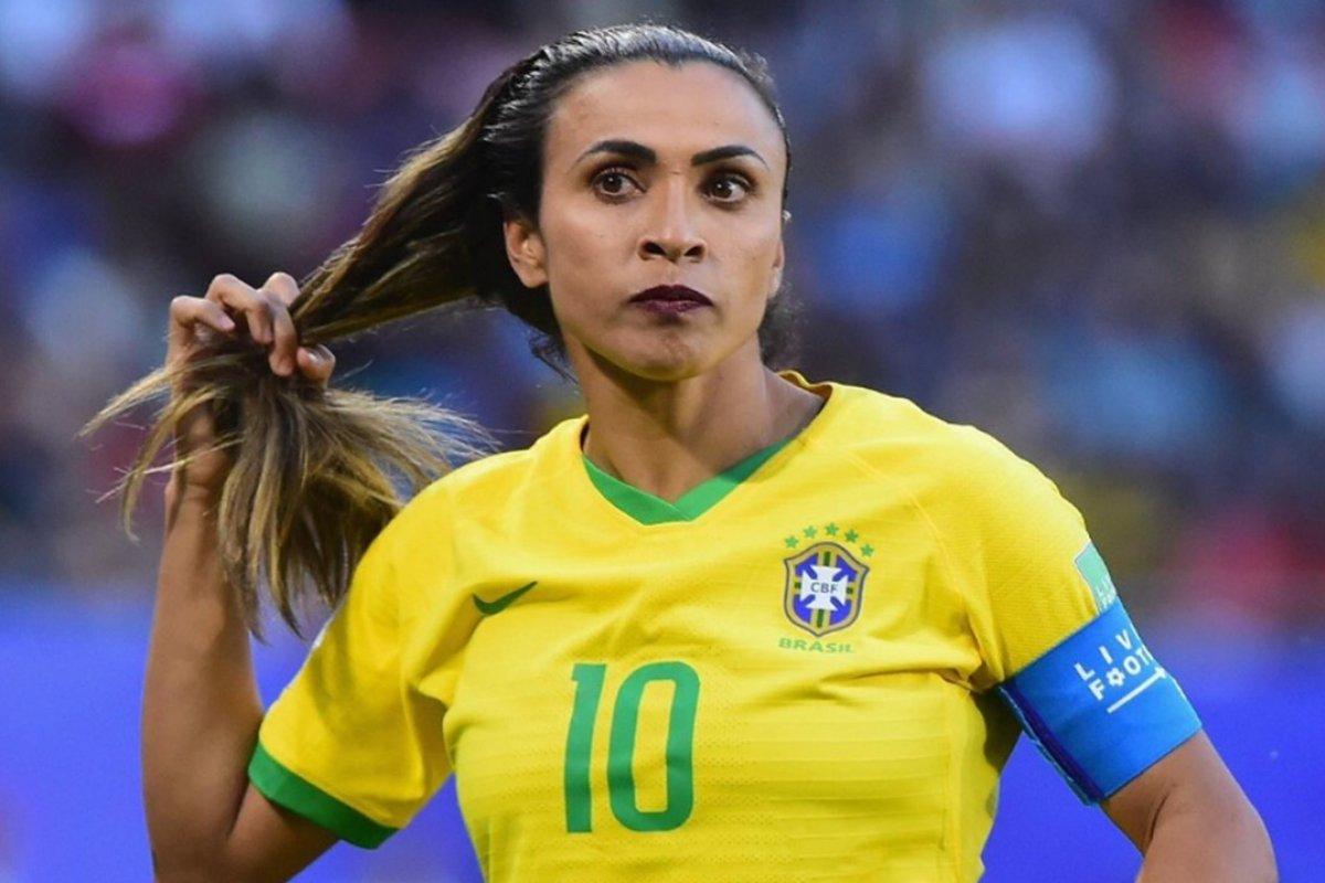 [Real Madrid tem interesse na criação de time de futebol feminino; Marta é alvo de contratação]