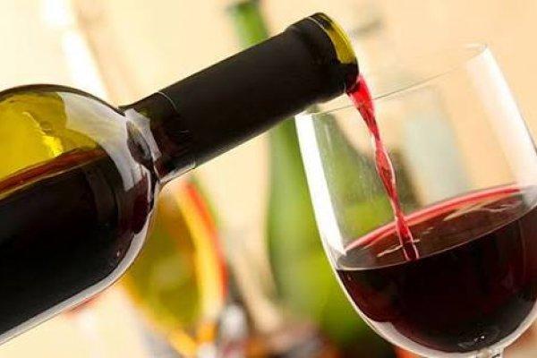 [No Rio Grande do Sul, vinho será transformado em álcool 70%]