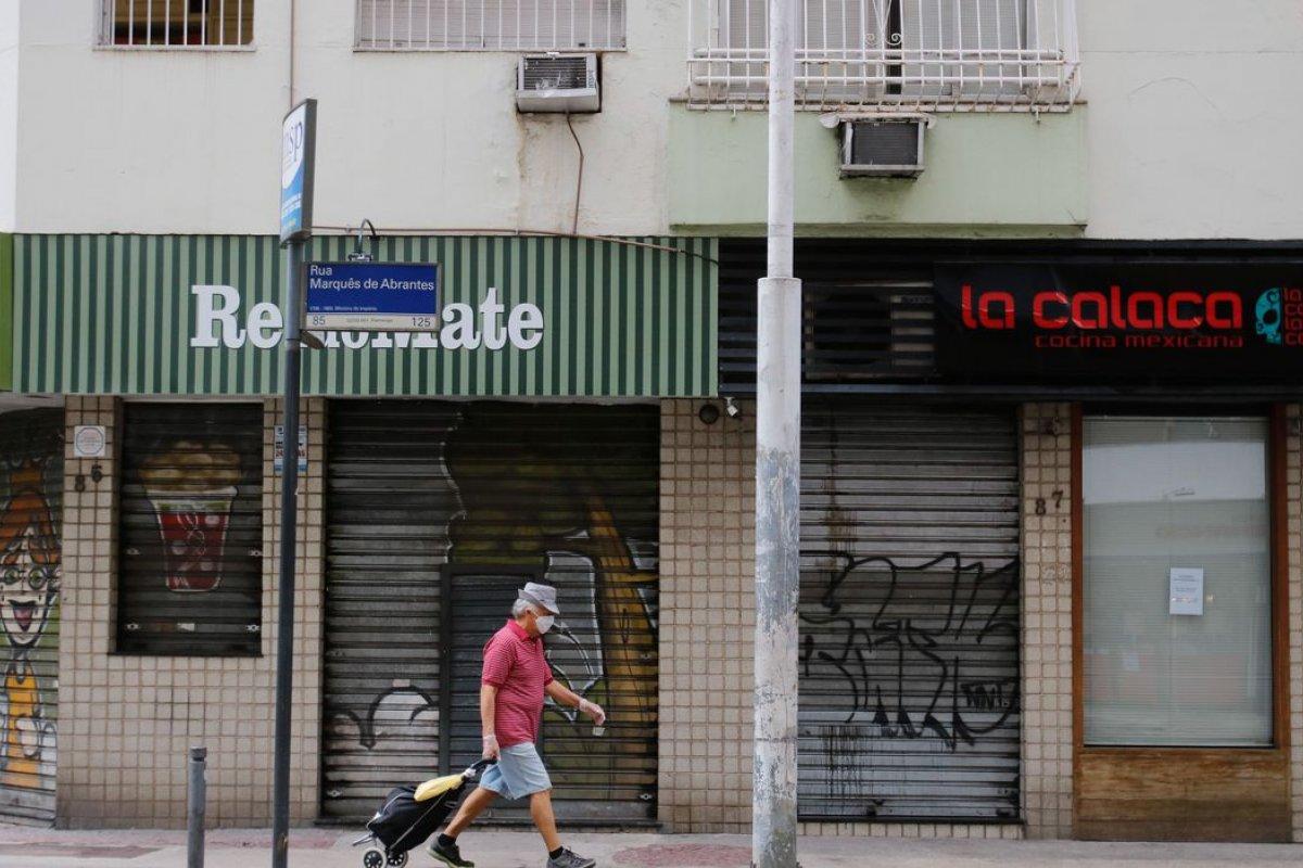 [Pedidos de falência no Brasil aumentam em 30% durante pandemia]