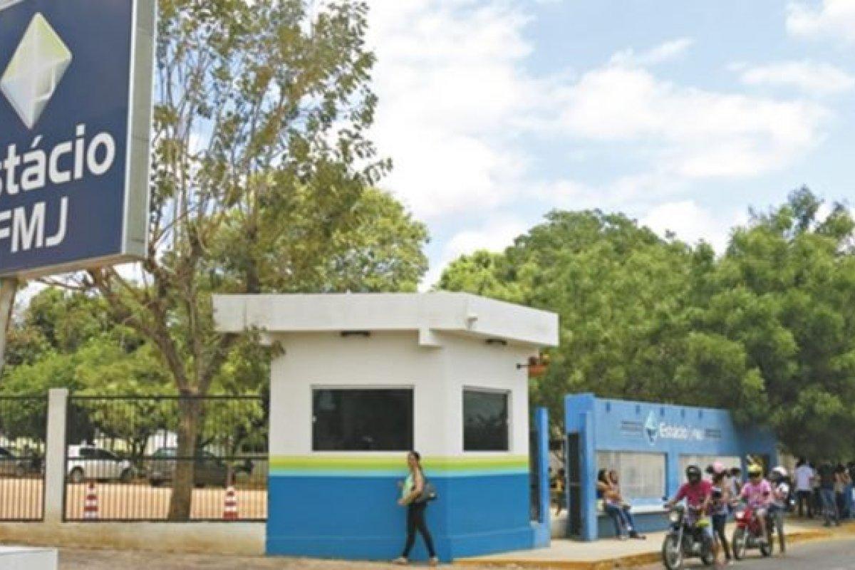"""[""""Se o estupro é inevitável, relaxa e goza!"""", diz professor em Faculdade de Juazeiro do Norte, no Ceará]"""