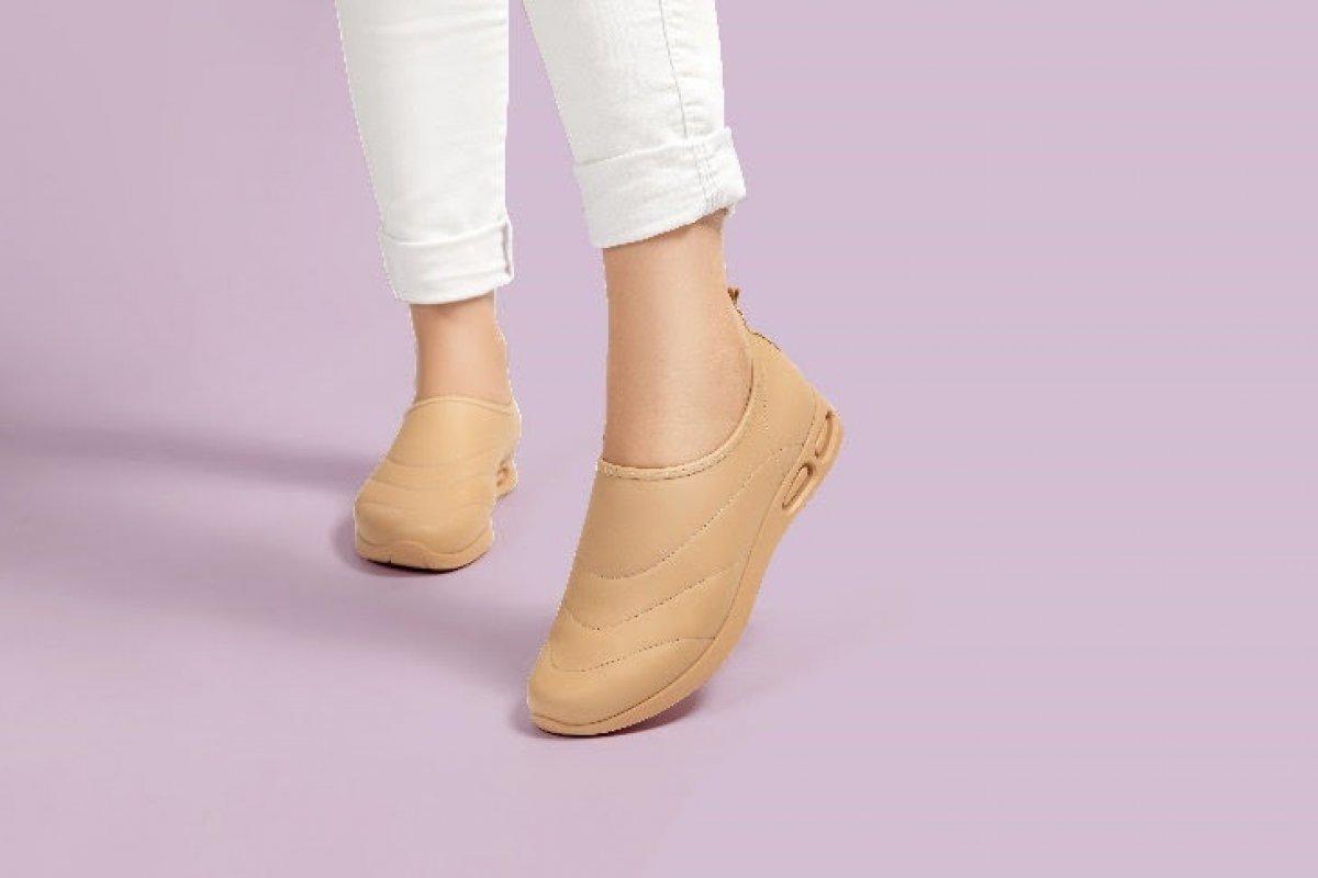 [Marca brasileira Iança linha de calçados com proteção permanente contra vírus, bactérias e fungos]