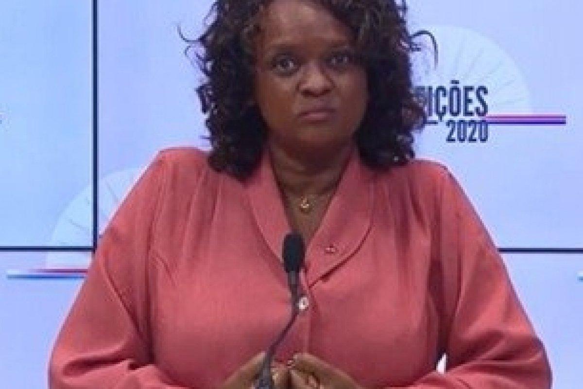 [Vídeo: Candidata a prefeita de Salvador se atrapalha e diz que aumentará impostos do município]
