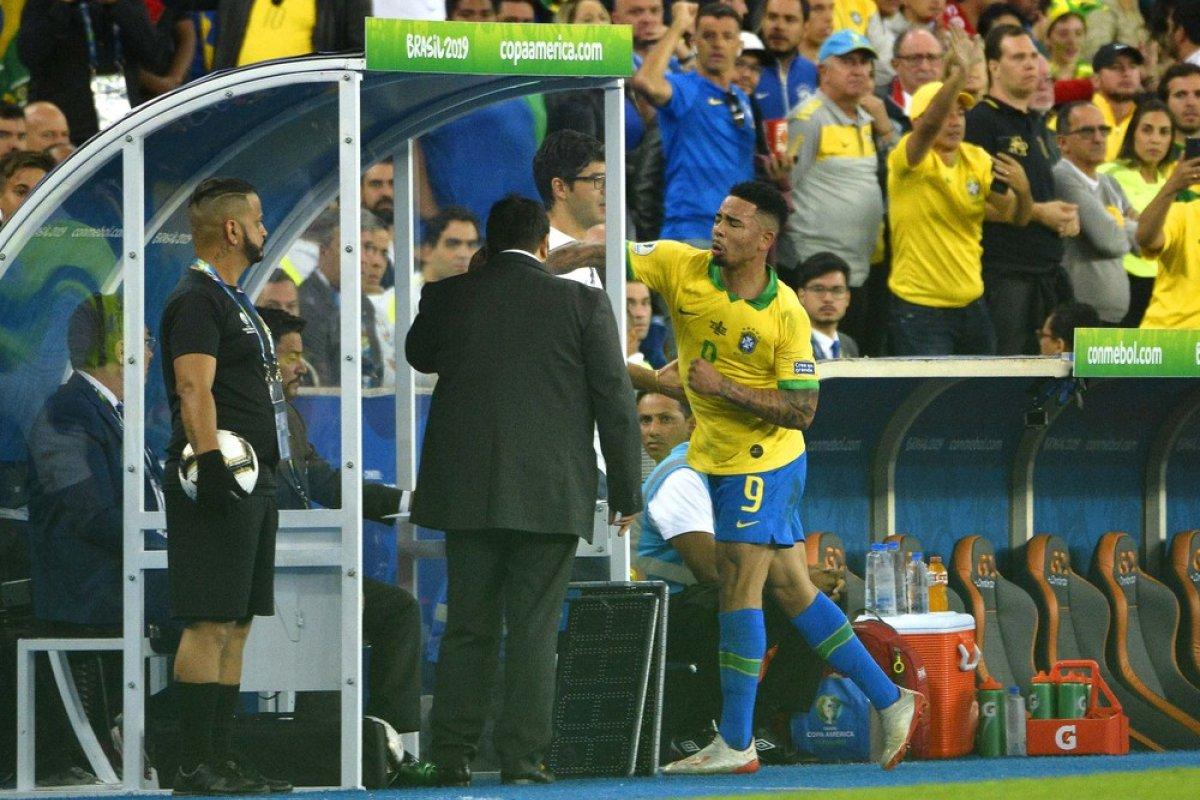 [Gabriel Jesus é suspenso da Seleção por dois meses após polêmica na final da Copa América]