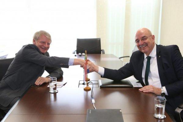 [Brasil busca ampliar cooperação cultural com Países Baixos e China]