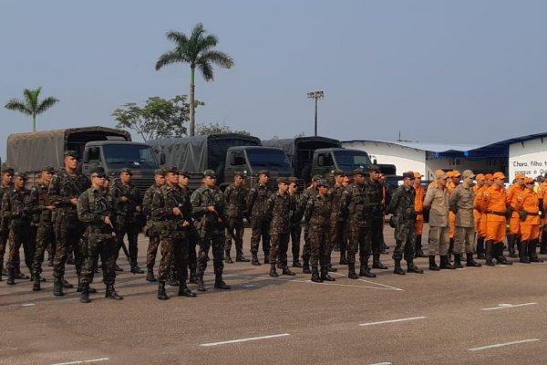 [Municípios de Rondônia já recebem militares para conter incêndios ]