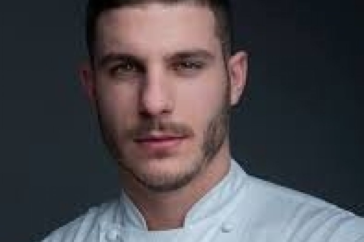 [Pierre-Jean Quinonero é o novo chef pâtissier do hotelLe Burgundy]