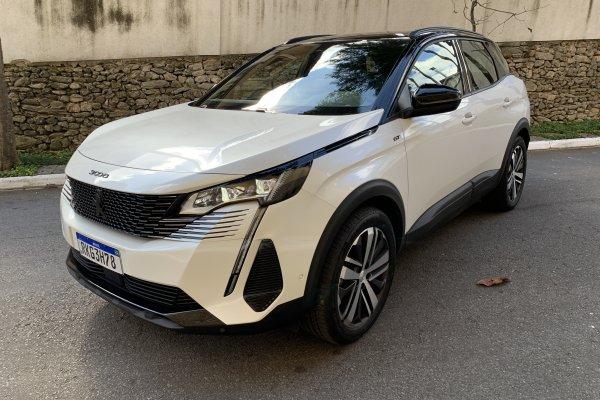 [Peugeot 3008 chega à linha 2022 com novo visual e evoluções em segurança ]