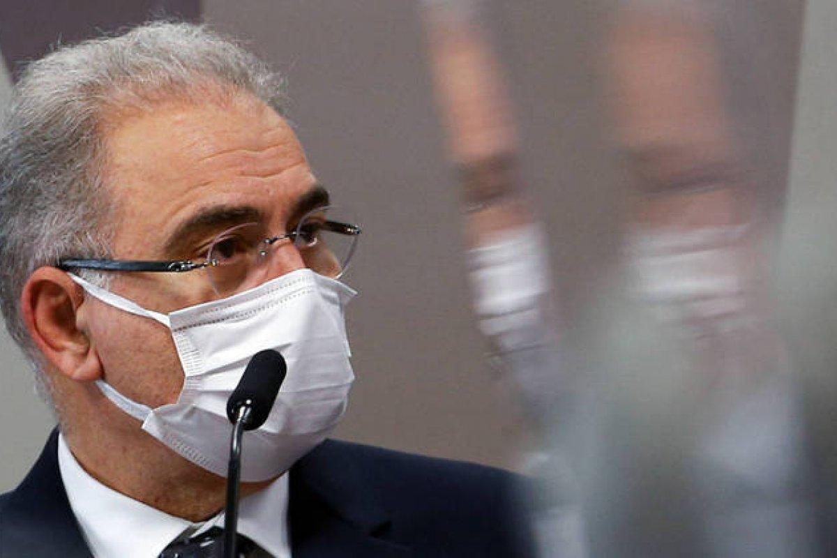 [Segundo Queiroga, pasta vê possibilidade de repetir anualmente a vacinação contra a Covid-19]