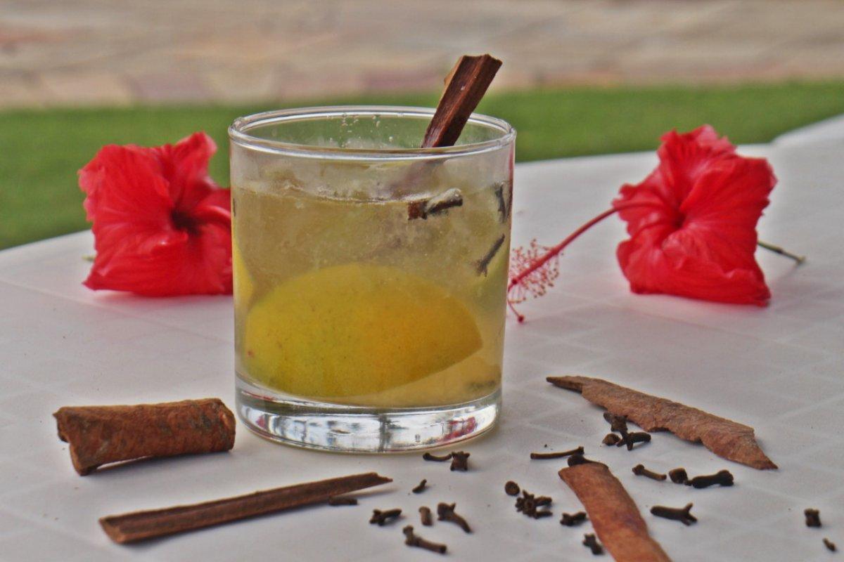 [Para celebrar o Dia da Cachaça, Transamérica Resort Comandatuba ensina o Drink Gabriela]