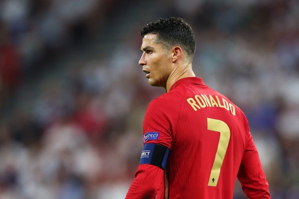 [Cristiano Ronaldo é vítima de golpe e perde R$ 1,1 milhão]