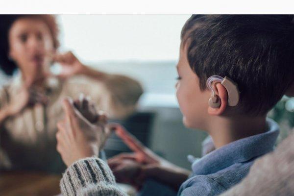 [Setembro Azul: No Brasil, apenas 7% de deficientes auditivos têm diploma de ensino superior]